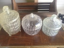 Clear plastic candy dishes in Fort Polk, Louisiana